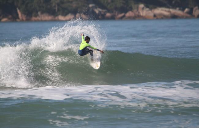 Ryan_TBSsurfboards-Cominski
